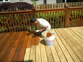 Staining decks in Markham and Vaughan